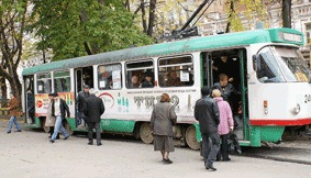 Трамваи – на приколе, водители – без зарплаты