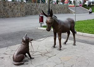 Ибрагим ХАЕВ работает над новой скульптурой для улиц Владикавказа