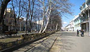 Почему пешеходный проспект Мира во Владикавказе стал автодорожным?