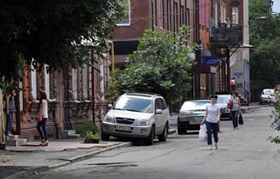 В центре Владикавказа хотят построить платные многоярусные автостоянки