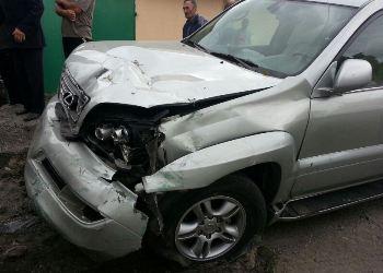 Пострадавшего в ДТП в районе Беслана деблокировали спасатели и доставили в больницу