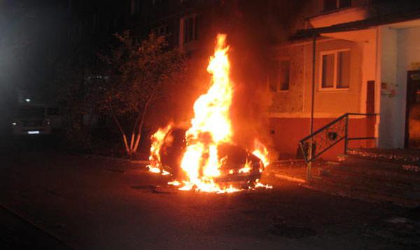 Во Владикавказе ночью сгорела «Лада-Приора». Причины выясняются