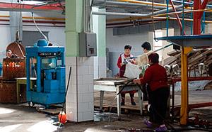 В школы Южной Осетии поставляют натуральный яблочный сок Цхинвальского консервного завода
