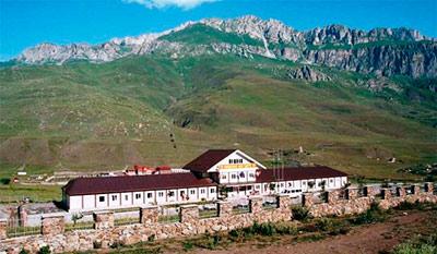 В Северной Осетии молодежный центр «Барс» передали коммерсантам незаконно