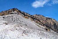 В горах Северной Осетии при спуске сорвался альпинист