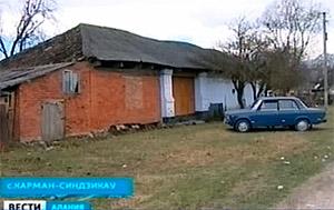 В Карман-Синдзикау злоумышленник напал на 86-летнюю пенсионерку в ее собственном доме