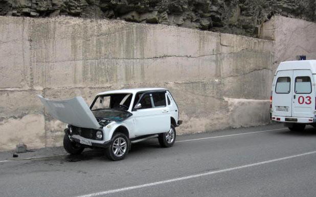 На Транскавказской автомагистрали водитель «Нивы» не преодолел стену тоннеля