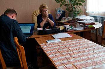 Вице-мэр Зеленокумска задержана с поличным при получении взятки