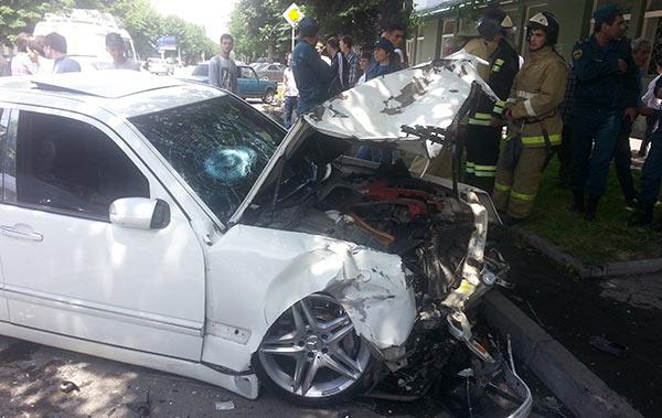 Во Владикавказе столкнулись четыре легковых автомобиля