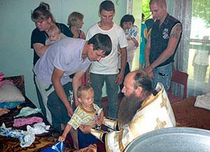 Духовенство Аланской епархии оказывает помощь беженцам с Украины