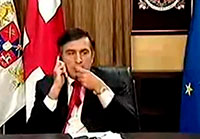 Саакашвили вернул в Госканцелярию Грузии костюмы и пальто