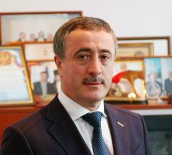 Арсен ФАДЗАЕВ: «Необходимо принимать безотлагательные меры по выведению республики из долговой ямы»