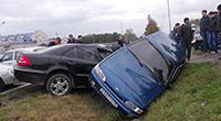 Во Владикавказе водитель «шестерки» въехал в столб линии электропередачи