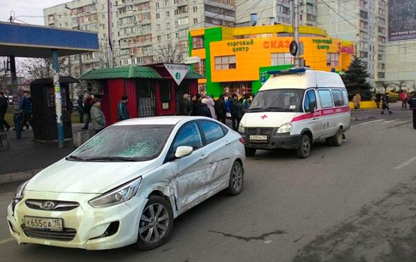 Во Владикавказе на автобусной остановке от удара иномарки погибла женщина