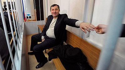 Дагестанский вице-премьер решил молчать до суда