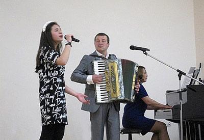 Человек с аккордеоном, пишущий «по-настоящему осетинскую музыку»