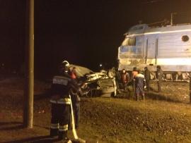В Эльхотово столкнулись поезд «Владикавказ-Новороссийск» и буксируемый «КамАЗ»