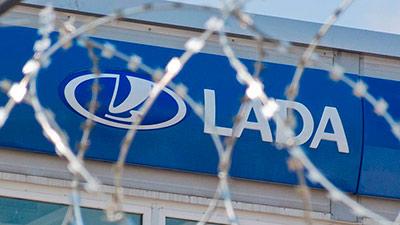 Дилера заподозрили в обмане клиентов и поставщика