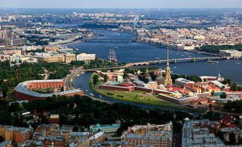 Прогулки по крышам: новое увлечение петербуржцев