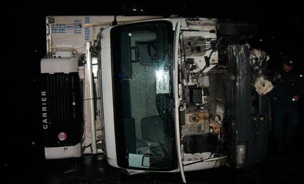 На федеральной трассе «Кавказ» после столкновения с фурой погиб водитель «Жигулей»