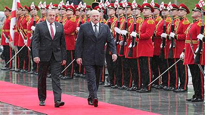Александр Лукашенко проявил мирную инициативу
