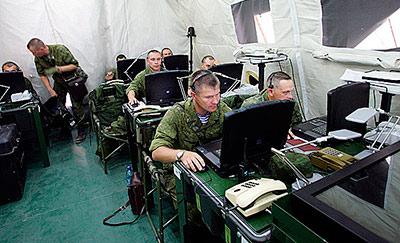 Армейские связисты осваивают на Северном Кавказе современную технику