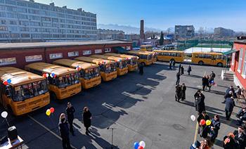 Школы Северной Осетии получили 13 новых автобусов