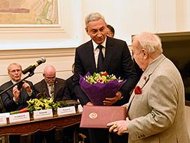 Глава российской Академии художеств удостоился звания народного художника Северной Осетии
