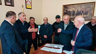 Жители осетинского села требуют не продавать родовые земли