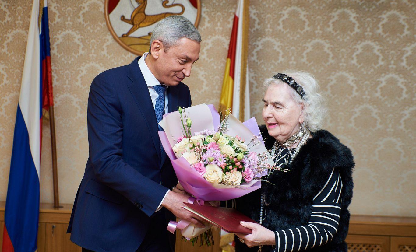Дзерасса ТУГАНОВА удостоена звания почетного гражданина Владикавказа